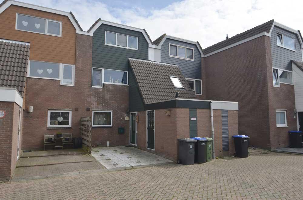 Doorzwin 2122, Julianadorp