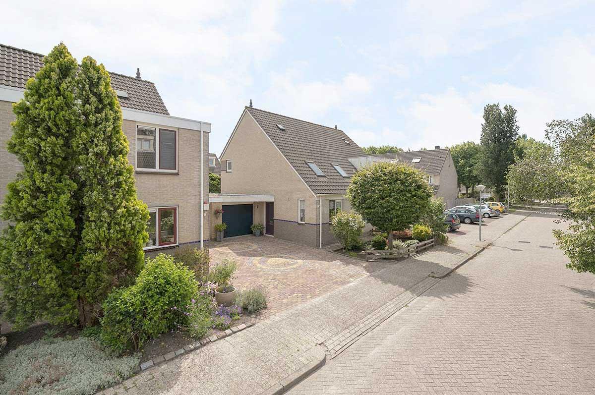 foto 2 van Dvorakhof 38 te Hoorn